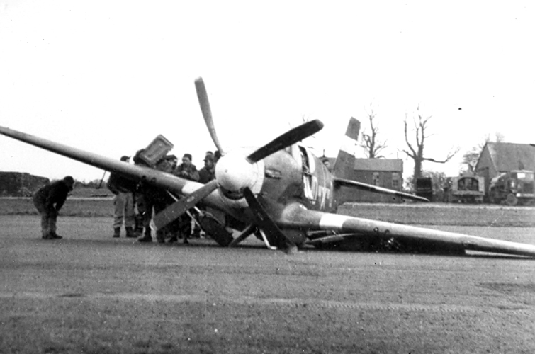 SQUADRON SIGNAL P-51 MUSTANG WW2 USAAF FG A-36 RAF RAAF ANG KOREAN WAR RoCAF RoK